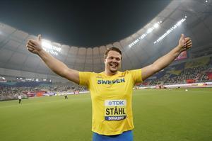 Foto: APDaniel Ståhl skuttar och visar sin glädje över VM-guldet. Idrottare gör gärna så, men har ofta svårare att hitta ord för glädjen.