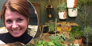 """Jeanette Söderlund studerar till trädgårdsmästare i Skillebyholm i Hölö och balkongen """"Trädgård för alla"""" är hennes examensarbete. Juryn och mässbesökarna var eniga i år : Jeanettes balkong var finast av dem alla."""