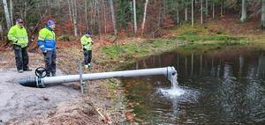 Det nya förbättrade systemet för att tillverka snö testades under julhelgen. Tidaholms SOK Sisu har bland annat grävt en ny damm för att få kallare vatten.