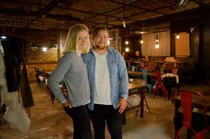 Emma Bergqvist och Linus Andersson får nu börja arbeta tillsammans igen. I slutet av september tar de emot sina första egna gäster. Det är en fantastisk möjlighet