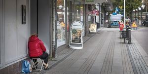 Många kommuner har haft uppe diskussionen om förbud mot tiggeri. Köpings kommunfullmäktige hade på måndagen en motion i ämnet från Sverigedemokraterna att ta ställning till.