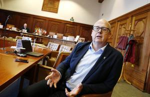 Kommunalrådet Bosse Svensson (C) tycker det första steget i rättsprocessen runt Kindberg är positivt men väntade sig en överklagan av domen.