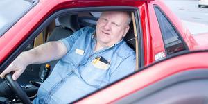 Under seriens gång får vi se Mats ta råd av en kamrat, som beskrivs av produktionsbolaget bakom serien som en kvinnokarl, och turer i sin bil.