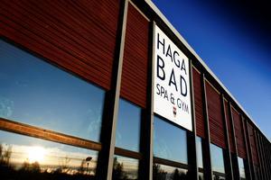 Det var vid två-tiden på tisdagseftermiddagen som två män ska ha ofredat skolpojkar på Hagabadet. Arkivfoto: NA