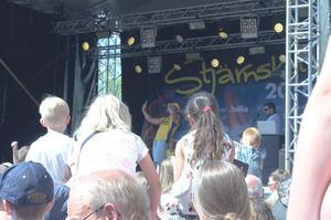Storpublik dansade loss och skakade rumpan tillsammans med Sean Banan.