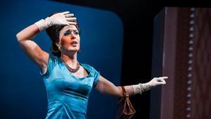 Ylva Gruen som Meg Page i Sibeliusakademins uppsättning av Verdis Falstaff hösten 2017.  Foto: Uupi Tirronen