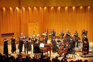 Freiburger Barockorchester är ute på Sverigeturné. Den första anhalten var Västerås konserthus.Foto: Anders Forngren