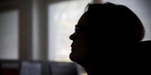 Sari Helmnäs berättar att hon har blivit lugnare sedan de började med återhämtning på arbetstid.