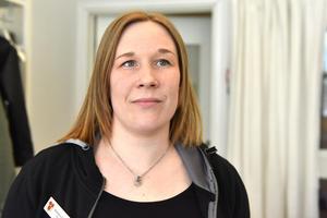 Veronica Östberg berättar att de nu har tre utbildade fritidsledare vilket är viktigt för verksamheten.
