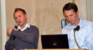 Jimmy Kortilalli och Mattias Palmestål tog 2011 upp en 30-årig gammal kamp för att få till stånd en gång- och cykelväg längs Landsvägen i Stora Skedvi. Fotograf: Berit Zöllner