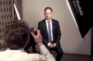 Att fotograferas ingår i vardagen. Här plåtas Jörgen Berglund av TT:s Henrik Montgomery.