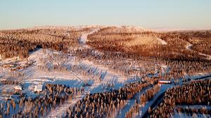 Nedfarterna är upphuggna och under hela vintern pågår markarbeten med rördragningar. Under sommaren kommer sedan liftarna på plats.