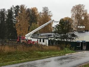 Kemtvätten på Esplanaden i Norrtälje började brinna natten till söndagen.