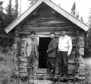 1975 rustades fäbodvallen Västerborbodarna upp efter att inte ha använts sedan i början av 1950-talet. Johan Svedin, Viken, Per Jönsson, Hanabacken och Bror Erixon, Joxåsen, förklarade Västernorbodarna invigt vid det gamla 1700-tals härbret. De var de sista bönderna som brukade fäbodarna.