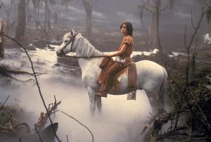 Atreyu (Noah Hathaway) och hans häst Artax försöker ta sig igenom