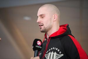 Adrian Granat har flera gånger sagt att han är säker på att han kommer ta hem segern mot Otto Wallin på lördag.