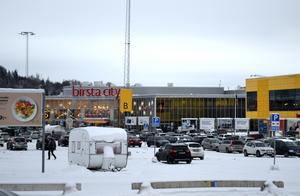 Birsta citys hus ägs av Ikeas fastighetsbolag Ingka.