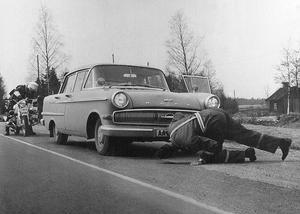 Poliskontroll i Örebro på 1960-talet. Fotograf: Okänd