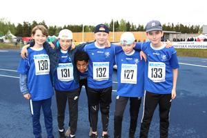 Sebastian Kullberg, Allan Lind, Edvin Lindholm, Noah Fahlstedt, William Ljungdahl och Youel Gebrewiwet i klass 6E på Engelska skolan laddar för 60 meter.