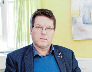 Leif Pettersson (S), kommunalråd i Ludvika, behöver säkra ljusare framtidsutsikter bland unga.