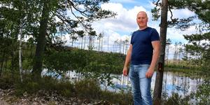 Fredrik Larsson anser att älgkvoten måste höjas för jaktområden i Hälleskogsbrännan.