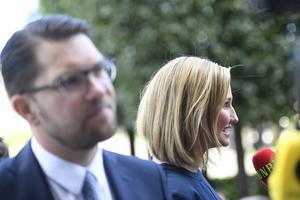 Jimmie Åkesson (SD) och Ebba Busch Thor (KD) har diskuterat politiska frågor över en lunch.  Foto: Pontus Lundahl/TT