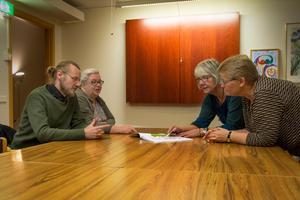 Jens Öst, Carola Onelius, Margareta Örn Liljedahl och Monica Siggstedt vill få så många som möjligt att engagera sig och tycka till om översiktsplanen.