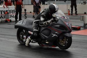 Nichlas Sverin, Färila, har ny motorcykel för året, och den funkar väldigt bra. Han satte nytt personbästa under helgen.