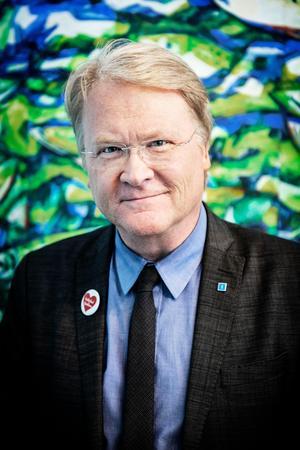 Lars Adaktusson kandiderar till riksdagen.