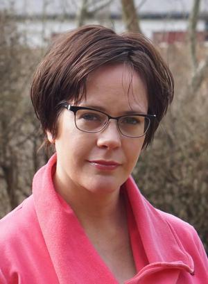 Elisabeth Östnäs från Ransta har skrivit en bok ur Engelbrekts hustru Karins perspektiv. Foto: Anders Lundell