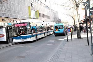 På Stora gatan och Vasagatan i centrum är privatbilism inte tillåten, med undantag för personer med särskilda p-tillstånd.