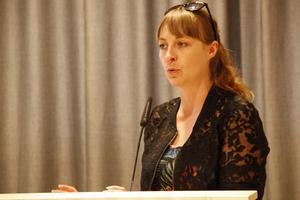 Jenny Breslin (S) placerade in Kårböle på det nedersta steget i Maslows behovstrappa.