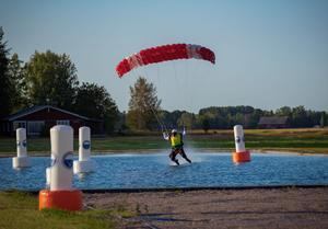 Mats Eriksson, Fallskärm Gefle, swoopade i 126 km per timme på SM 2019, foto Nico Emanuelsson