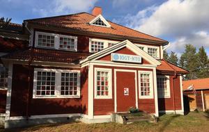 Nyhammars IOGT-NTO-hus byggdes 1905.  Det var platsen för en av 21 utställningar i årets Ludvika Konstrunda.