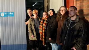 Stefan Newstam, Ulla Hellkvist, Sofia Edinius, Najjiya Ibrahim, Annika Gustafsson och Mikael Bodin jobbar tillsammans i det sociala företaget Forsnäsgruppen. Företaget har också två praktikanter.