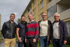 Faxeholmens ledning fotograferades tillsammans med affärsmännen i Scandset Holding i samband med försäljningen. Från vänster: Erik