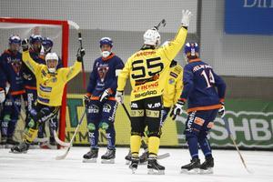 Robert Rimgård med nummer 55 på ryggen blev målskytt direkt i sin första match i Broberg.