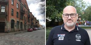 Tommy Snögren vills e ändringar på Järnvägsgatan i Skara. Som det är nu är det både trafikfarligt och ge upphov till irritation.