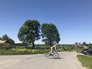 Enligt en undersökning av regionen skulle hälften av alla Gävlebor kunna cykla till jobbet på en kvart och hela 70 procent på under en halvtimme. Denna bild är tagen en bit utanför Gävle.