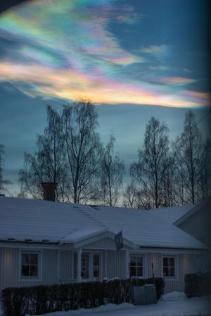 Pärlemormoln ovanför Falun. Foto Daniel Larsson