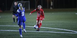 Ida Adamsson gör 2–1 med efter en riktig drömträff.