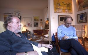Förläggaren och författaren Siewert  Carlsson och Kjell Roman är två av de grundande medlemmarna av Västmanlands Författarsällskap.