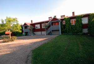 IVO kan konstatera att Dormsjöskolan jobbat med att minska antalet tvångs- och begränsningsåtgärder men att det ännu förekommer på skolan. Foto: Staffan Westerlund