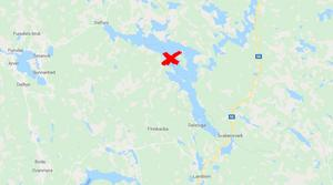 Vargen ska ha dödats på sjön Amungens is i höjd med området Långholmen i Rättviks kommun, en dryg mil norr om Falu kommun och cirka tre kilomter från gränsen till Gävleborgs län. Bild: Eniro