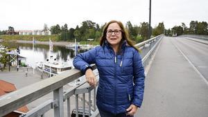 Kajsa Fredholm (V) från Leksand är något av en politisk tungviktare i det fördolda. Förutom vice länsordförande sitter hon även med i partiets högsta partistyrelse.