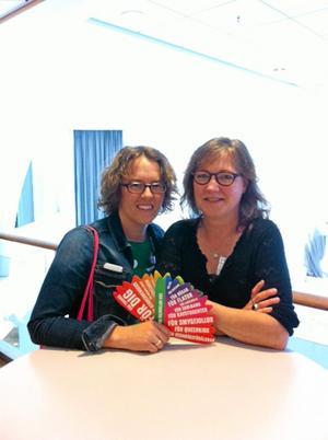 Camilla Hansén och Ia Malmqvist, ombud respektive riksvalberedare på Miljöpartiets kongress.