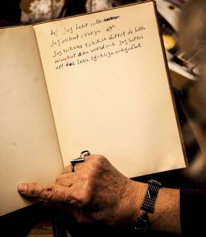 I gästboken har många skrivit en liten hälsning och tackat för stöttning och hjälp.