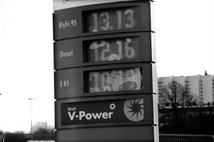 Redan i dag är bensinpriset för högt enligt Kenneth Winsborg.