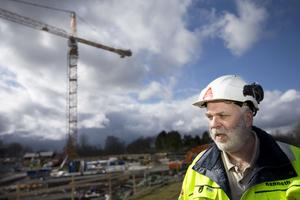 Kenneth Svärd, Byggnads ordförande i Örebro och Värmlands län, hoppas att de uppsagda kan bli anställda hos andra byggföretag.