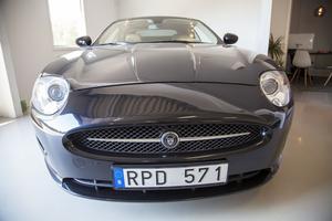 När kunder vill ha hjälp med att sälja en bil kan Mattias Claus agera mäklare.